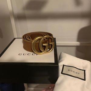 Brown Gucci belt (size 100)